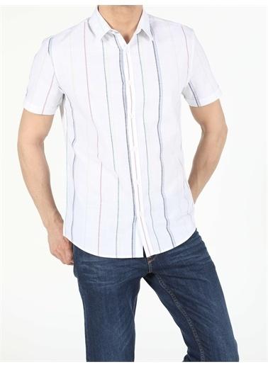 Colin's CL1053985_Q1.V1_WHT Slim Fit Shirt Neck Erkek Kısa Kol Gömlek Beyaz